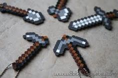Minecraft Iron Tool Keychain made of beads. Minecraft Iron, Minecraft Beads, Minecraft Crafts, Minecraft Party, Minecraft Stuff, Hama Beads, Fuse Beads, Diy Craft Projects, Fun Crafts