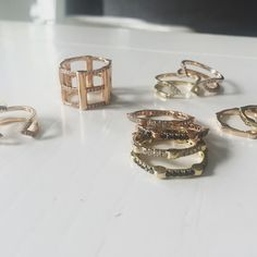 Playtime with #LisaWoods. ✨ #CageRing #DaggerRings #stackable #CageBands #gold #rosegold #diamonds #finejewelry #rachelkatzjewelry