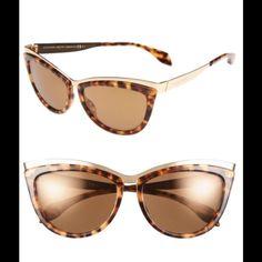 851138bcec ALEXANDER MCQUEEN SUNGLASSES POLISHED CATEYE SUNGLASSES . MADE IN ITALY  Alexander McQueen Accessories Sunglasses Sunglasses Accessories