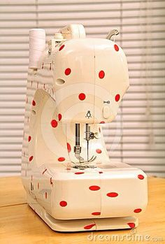 Yes! Polka dot sewing machine! I am so doing this to my next sewing machine.
