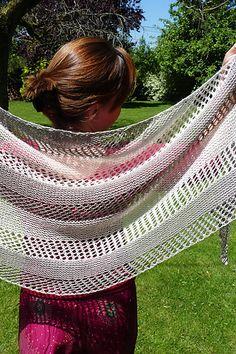 Ravelry: Stella shawl in The Natural Collection yarn - knitting pattern by Janina Kallio. Crochet Shirt, Knit Or Crochet, Lace Knitting, Crochet Vests, Crochet Cape, Crochet Poncho Patterns, Shawl Patterns, Knitting Patterns, Crochet Edgings