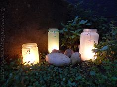 Earth Day Activities: Illuminate  a path, garden or backyard seating area with this fun craft #ecofriendlycrafts #ecofriendly #earthdaycrafts #greencrafts