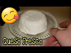 Queso fresco usando vinagre - YouTube Bread Recipes, Vegan Recipes, Cooking Recipes, Homemade Cheese, Chimichurri, Mexican Food Recipes, Icing, Alcoholic Drinks, Recipies