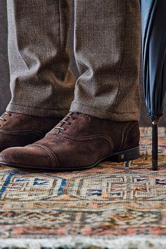 Gentlemen always wear brown