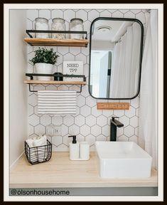 Camper Interior, Diy Camper, Camper Life, Trailer Interior, Camper Ideas, Rv Life, Camper Bathroom, Tiny House Bathroom, Small Bathroom