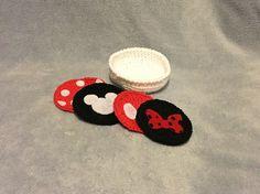 Free crochet pattern-- Disney / Mickey / Minnie themed coasters.