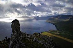 Reposting @1001survivalgear: Hvannagjógvartindur, Oyggjaskorðatindur, Villingardalsfjall, Nakkurin (Enniberg) og oman í Ormadal fríggjadagin 18 august  https://hiking.fo/125/albumcollections_albums/71?_l=fo&utm_campaign=crowdfire&utm_content=crowdfire&utm_medium=social&utm_source=pinterest #hiking #mountain #camping #outdoor #hikinggear #campinggear