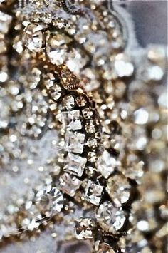 I have realised I am a lover of Sparkle!  Life should be done with SPARKLE!  @OurStyleofLOVE  Oscar De La Renta