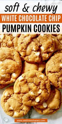 Fall Cookie Recipes, Pumpkin Cookie Recipe, Cookie Flavors, Chip Cookie Recipe, Pumpkin Dessert, Pumpkin Recipes, Easy Fall Treats Recipes, Fall Recipes, Vegan Recipes Easy