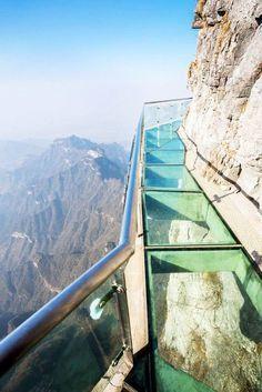 Glass Skywalking Around Tianmen Mountain, China @darleytravel