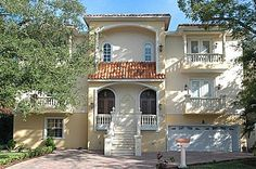 A truly unique single family home in S. Tampa! 2529 W Maryland Ave. Tampa, FL