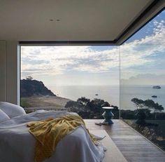 вопрос 7 дом спальня с видом на море