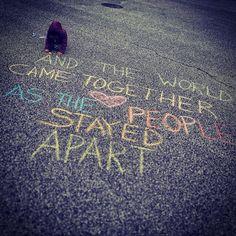 Sidewalk Chalk Art, Sidewalk Ideas, New York Graffiti, Ephemeral Art, Chalk Design, Painting Competition, Cleveland Museum Of Art, Chalk It Up, Chalk Drawings