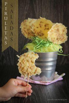 Piruletas de emmental y pipas. Un aperitivo vistoso y delicioso a partes iguales