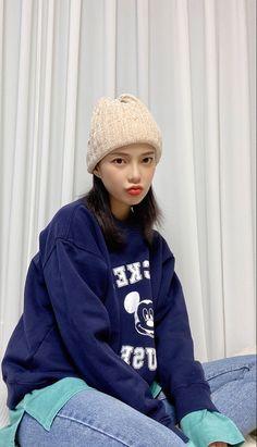 Kpop Girl Groups, Kpop Girls, Beanie, Hats, Fashion, Moda, Hat, Fashion Styles, Beanies