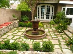 Stunning Front Yard Courtyard Landscaping Ideas - Front yard landscape design is an essential part of creating an overall outdoor plan that truly showcases the elegance of your home. The plants, hards. Front Yard Walkway, Backyard Walkway, Courtyard Landscaping, Small Front Yard Landscaping, Modern Courtyard, Courtyard Design, Front Courtyard, Front Yard Design, Patio Design