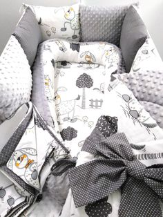 Komplet+pro+miminko+Kompletní+sada+do+postýlky+pro+vaše+miminko.+Hnízdečko..bavlna+++minky+6+x+polštářkový+mantinel...30x30cm..bavlna+++minky+Zavinovačka...bavlna+++minky+Povlečení..bavlna Baby Room, Baby Car Seats, Children, Kids, Textiles, Outfits, Bebe, Baby Nest, Young Children