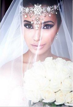 Wow! Gorgeous bridal headpiece