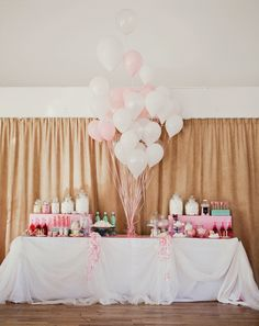 Candybar und Luftballons