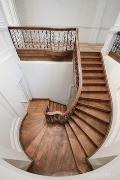 London grade 2 center stringer helical stairs w closed riser