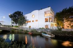 A Modern Canal-Side Home in Venice, Los Angeles, Is on the Market
