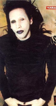 This has always been my favourite picture of the beautiful Marilyn Manson;)