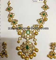 Jewellery Designs: Pachi Necklace with Emeralds