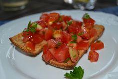 Brushetta Bruschetta, Ethnic Recipes, Kitchen, Food, Cooking, Eten, Kitchens, Meals, Cuisine