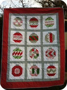 Vintage Holiday Quilt pattern by Camille Roskelley