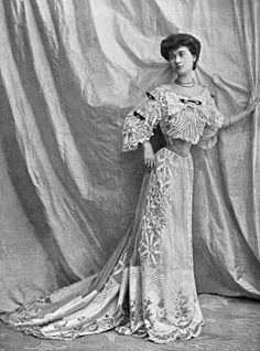 Robe du soir, 1902.