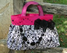oh I will be making this one! Cute Purse!