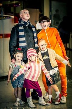 Despicable me family costume!...
