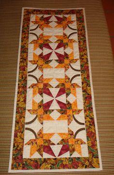 (¯`·._.·Marina Patchwork·._.·´¯): Table runner Autumn leaves (Camino de mesa Hojas de Otoño)