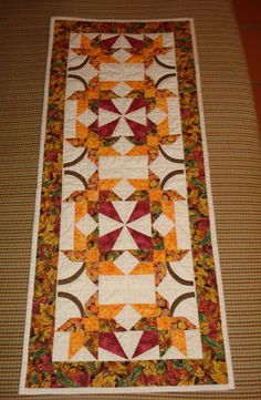 (¯`·._.·Marina Patchwork·._.·´¯): Table runner Autumn leaves (Camino de mesa Hojas de Otoño)