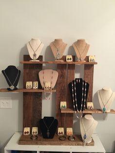 Türk more. türk more jewelry displays, craft fair Stall Display, Craft Booth Displays, Display Ideas, Booth Ideas, Shelving Display, Shelves, Jewellery Storage, Jewellery Display, Jewelry Organization