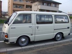 TOYOTA HIACE H20 Nice Bus, Toyota Van, Toyota Hiace, 4 Wheelers, Cool Vans, Retro Cars, Campervan, Cars And Motorcycles, Hot Rods