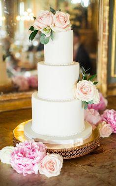 Beautiful Wedding Cakes, Wedding Cake Designs, Becca, Special Day, Inspiration, Berries, Biblical Inspiration, Inspirational, Inhalation
