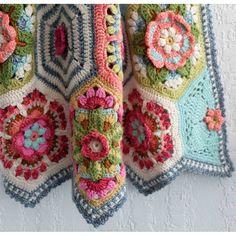 Crochet Patterns combine Frida's Flowers Primavera by Jane Crowfoot Love Crochet, Crochet Motif, Beautiful Crochet, Crochet Yarn, Crochet Flower, Crochet Squares, Crochet Blanket Patterns, Knitting Patterns Free, Crochet Blankets