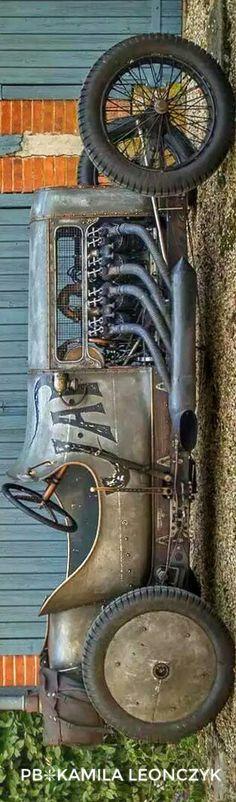 Steampunk Car - Richard Scaldwell's Sensational JAP V8-Powered GN Cycle Car