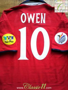 Relive Michael Owen's Euro 2000 tournament with this vintage England away football shirt.