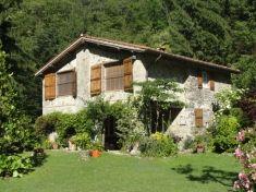 Maison à vendre: Toscane: PESCAGLIA (LU) Toscane Gate, Cabin, House Styles, Home Decor, Italy, Decoration Home, Portal, Room Decor, Cottage