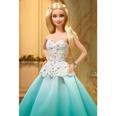 Check out the Barbie™ 2016 Holiday Doll - Aqua Gown at the official Barbie website. Explore the world of Barbie now! Barbie Blog, Barbie Website, Barbie Model, Barbie And Ken, Realistic Barbie, Sparkle Skirt, Beautiful Barbie Dolls, Barbie Clothes, Fashion Addict
