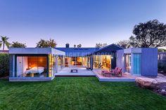 Suburban House Turned Into Contemporary Style Home U Shaped House Plans, U Shaped Houses, New House Plans, House Cladding, Casa Patio, Suburban House, Contemporary Style Homes, Ranch Style Homes, House Layouts