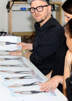 Das Casting für den Kurvenstars-Kalender 2013: die Jury, zu der auch Armin Morbach gehört