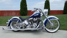 Harley-Davidson Heritage Softail Slammed | Click the image to open in full size.