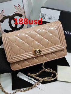 Chanel Pearlescent paint beige lambskin gold buckle shoulder bag A80287 size:20x13x3cmQC1 whatsapp:+8615503787453