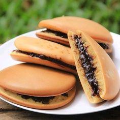 Resep camilan khas Jepang © 2020 brilio.net Fun Baking Recipes, Cake Recipes, Cooking Recipes, Cake Decorating Company, Cooking Cookies, Pancakes And Waffles, Indonesian Food, Yummy Cookies, Sweet Desserts