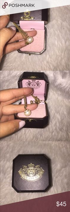 Juicy couture pearl necklace Like new with box, everything is in perfect condition comes with box, everything is in  working no chips or flaws. A perfect little present looks gorgeous on can be adjusted to chocker length Juicy Couture Jewelry Necklaces