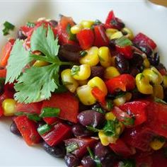 Black Bean and Corn Salad II. another yummy bean salad. Salad Recipes, Vegan Recipes, Cooking Recipes, Cooking Games, Avocado Recipes, Black Bean Corn Salad, Clean Eating, Healthy Eating, Vegetarian