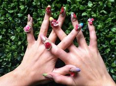 Eat your heart out Effie Trinket! Katy Perry channels Hunger Games look with elaborate nail art Floral Nail Art, 3d Nail Art, 3d Nails, Nail Arts, Katy Perry, Beyonce, Mode Rihanna, Effie Trinket, Celebrity Nails